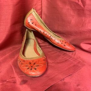 Pikolinos Red Embroidered Flats Size 39 (USA 9)